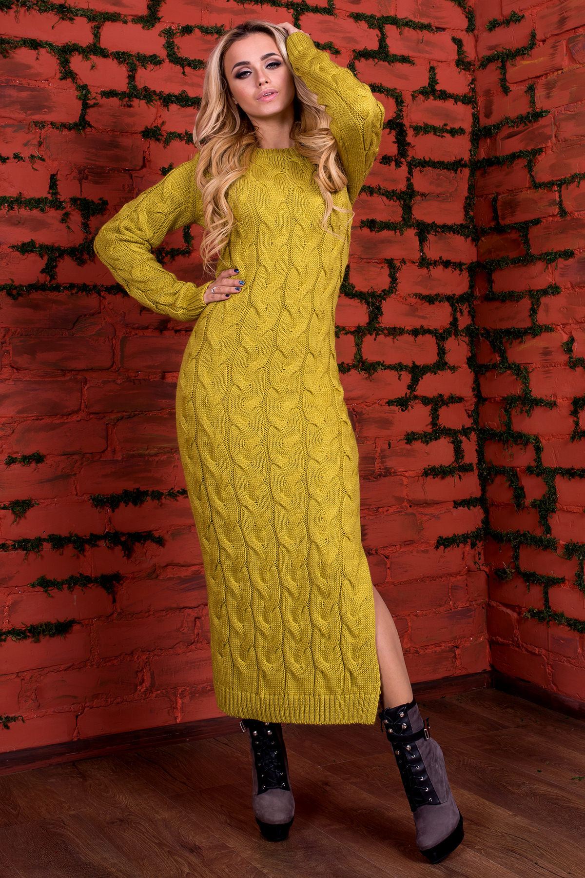 Купить женское вязаное платье недорого