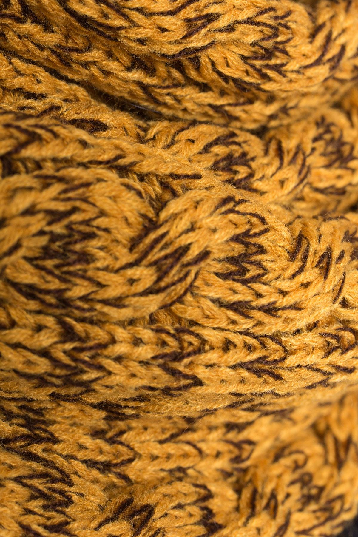 Шарф-хомут крупной вязки Цвет: Горчица /шоколад, Косы
