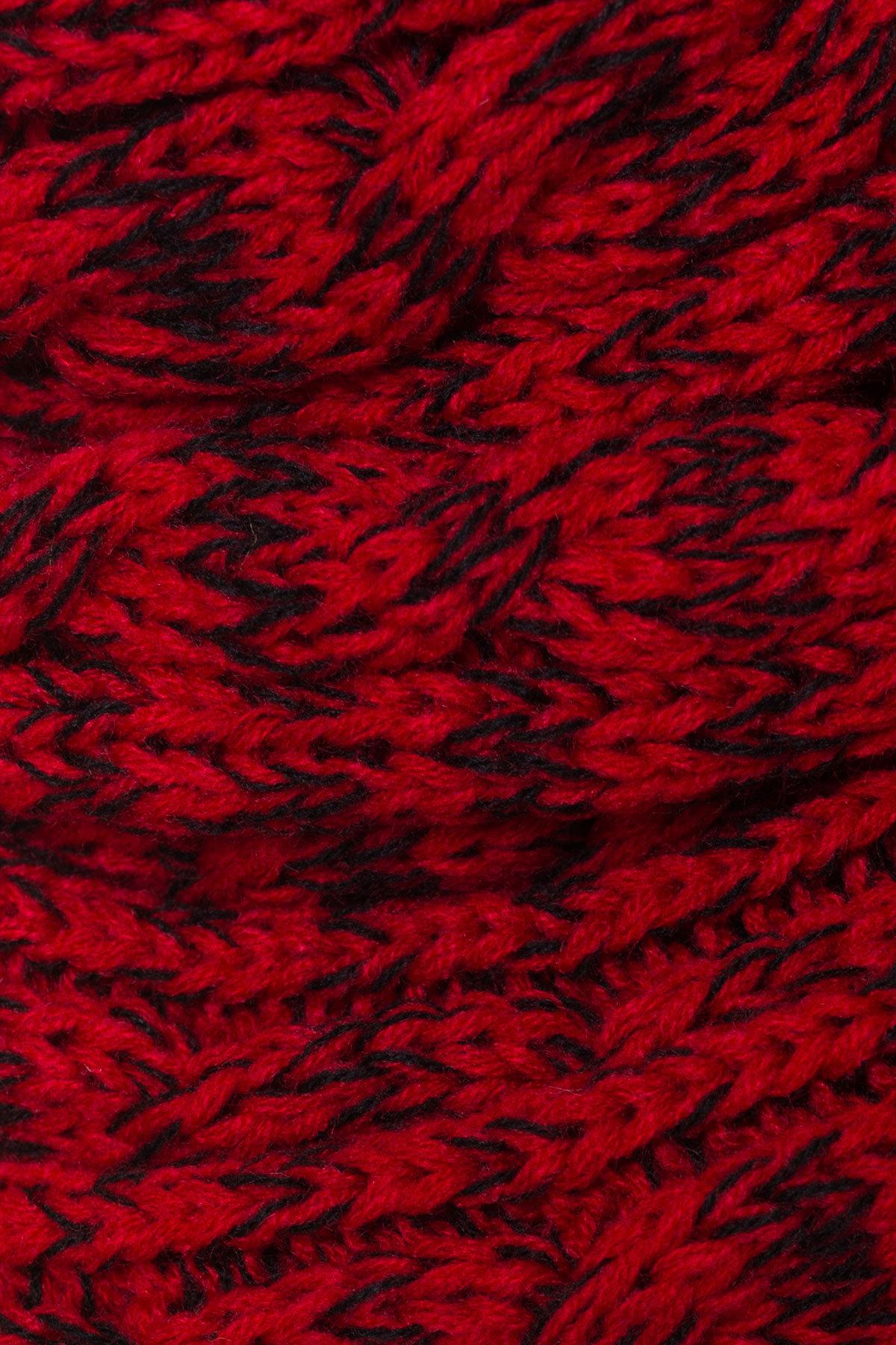 Шарф-хомут крупной вязки АРТ. 8959 Цвет: Красный/черный косы, Косы - фото 3, интернет магазин tm-modus.ru