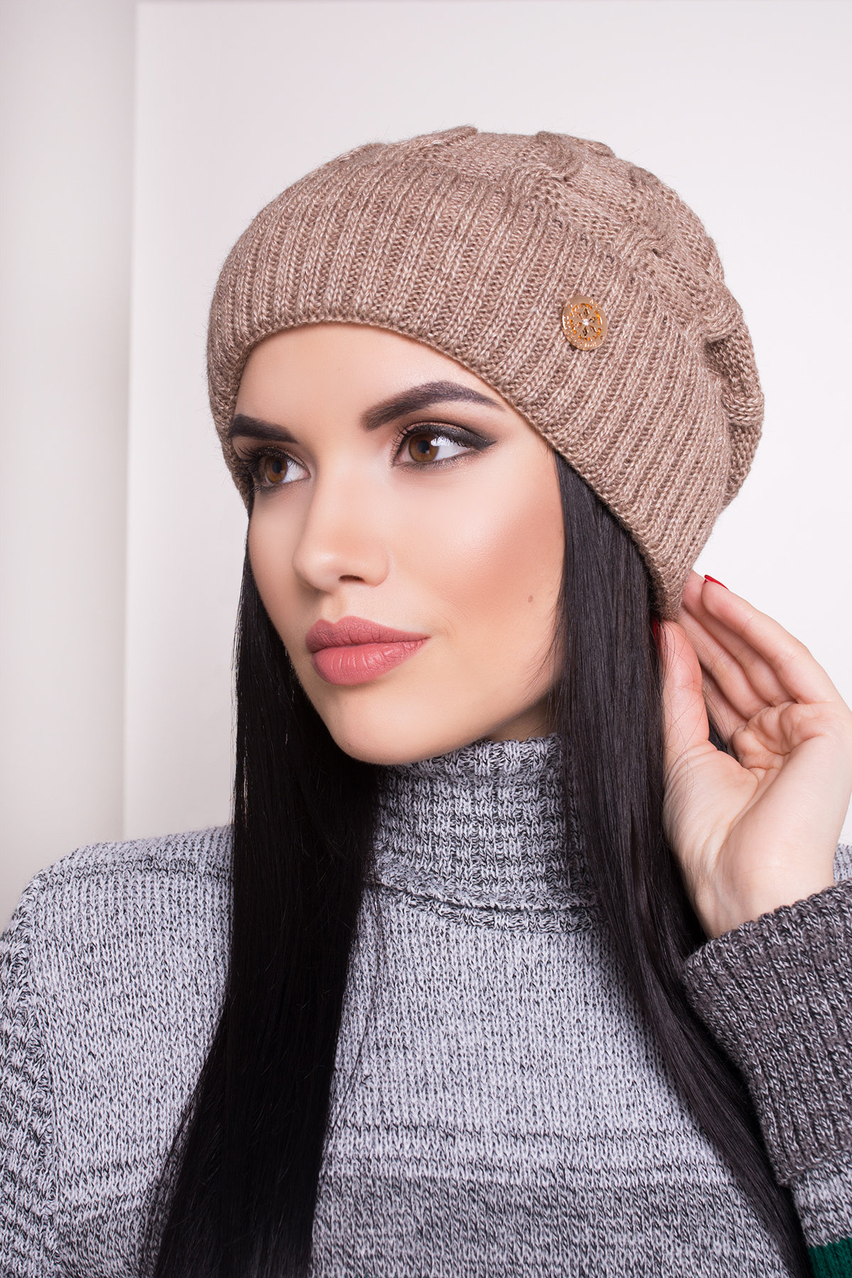 купить оптом женскую шапка Шапка Майя