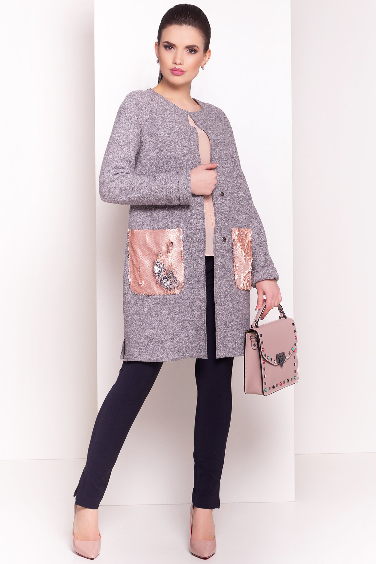 купить оптом женские кардиганы Кардиган с накладными карманами Нуар 4731