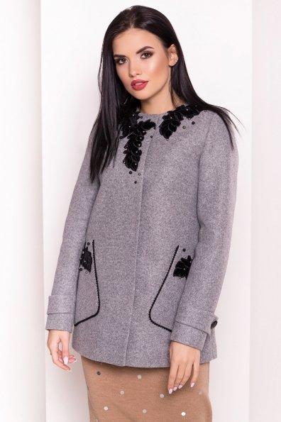 Укороченное пальто-трапеция с вышивкой Латта 5526 Цвет: Серый Светлый 77