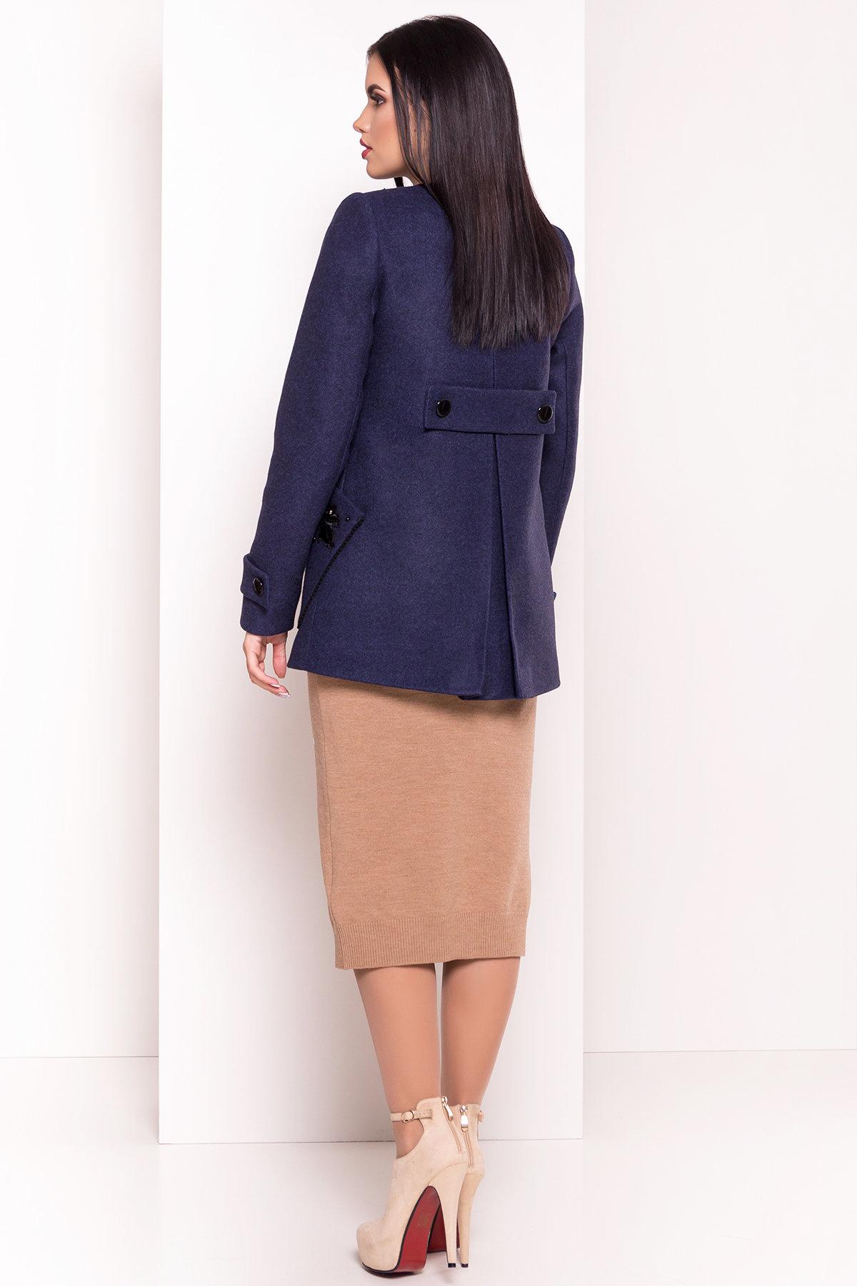 Укороченное пальто-трапеция с вышивкой Латта 5526 АРТ. 37721 Цвет: Синий 1 - фото 2, интернет магазин tm-modus.ru