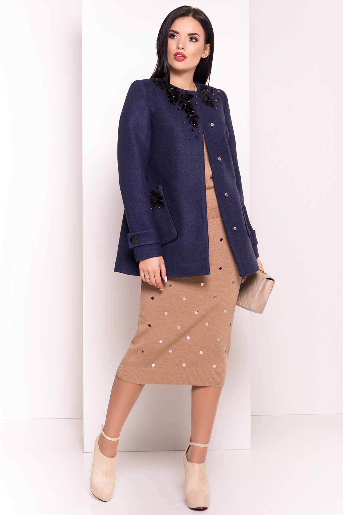 Укороченное пальто-трапеция с вышивкой Латта 5526 Цвет: Синий 1