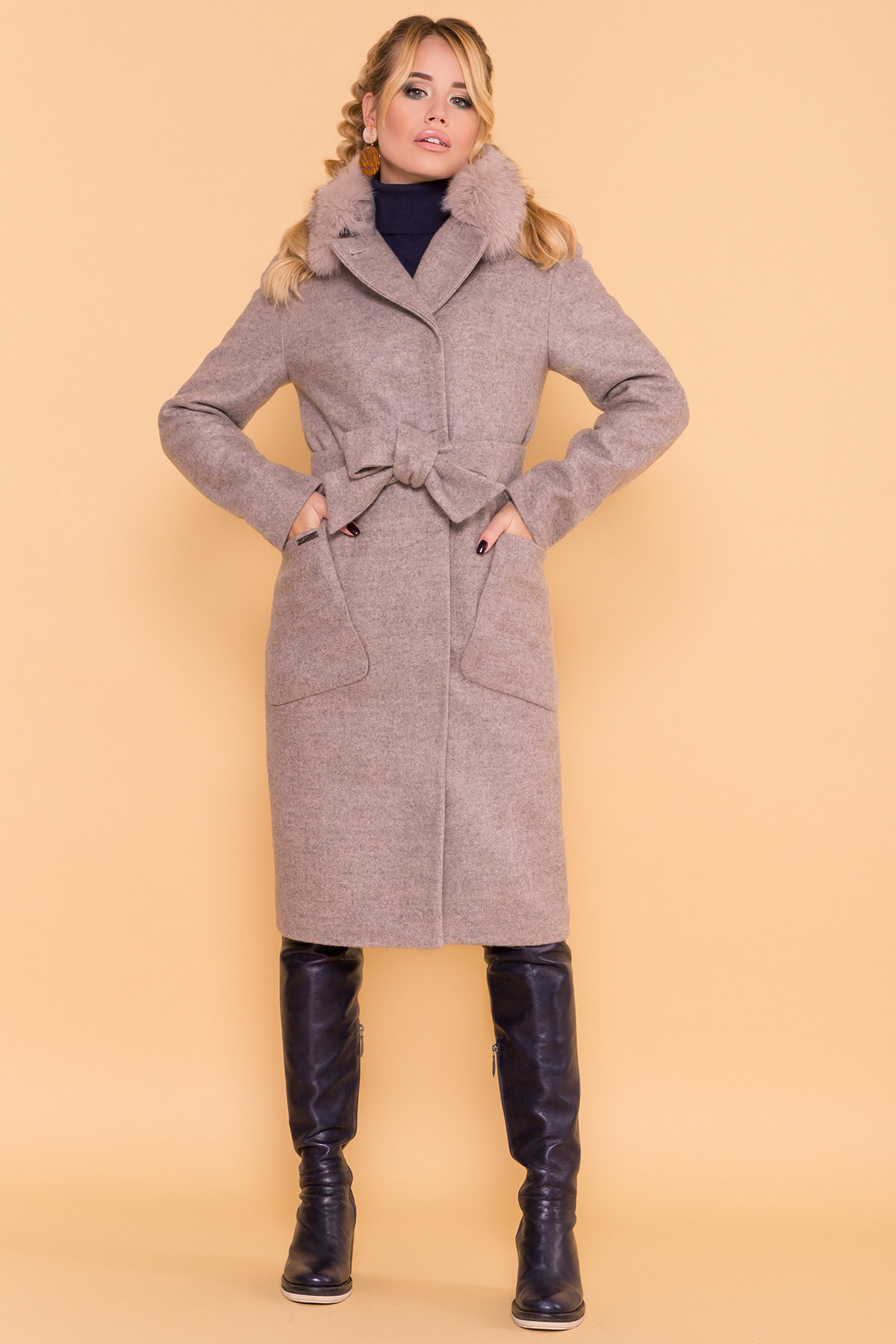 Стильное зимнее женское пальто от Modus Зимнее пальто с натуральным песцом Анатес лайт 5570