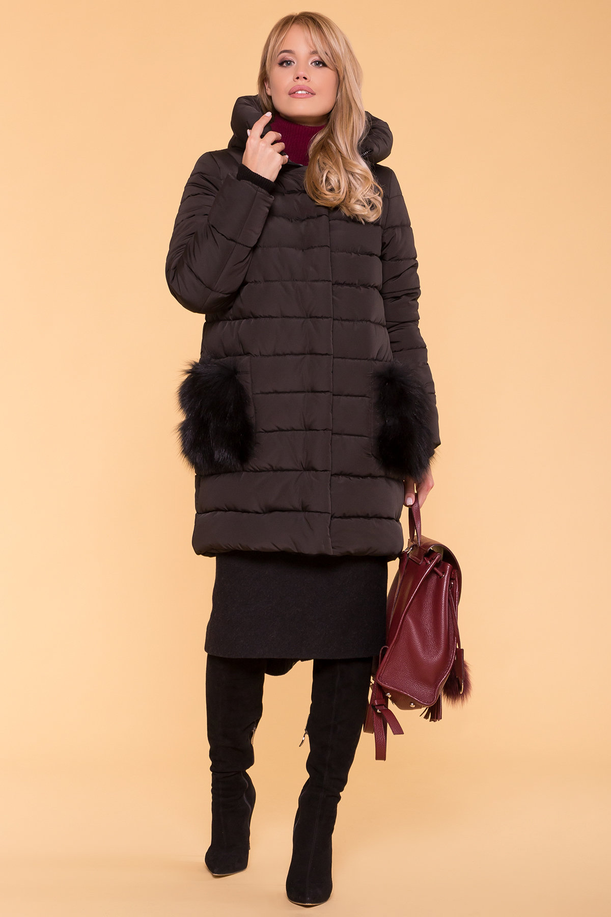 Пуховик с меховыми карманами Лили 3523 Цвет: Черный