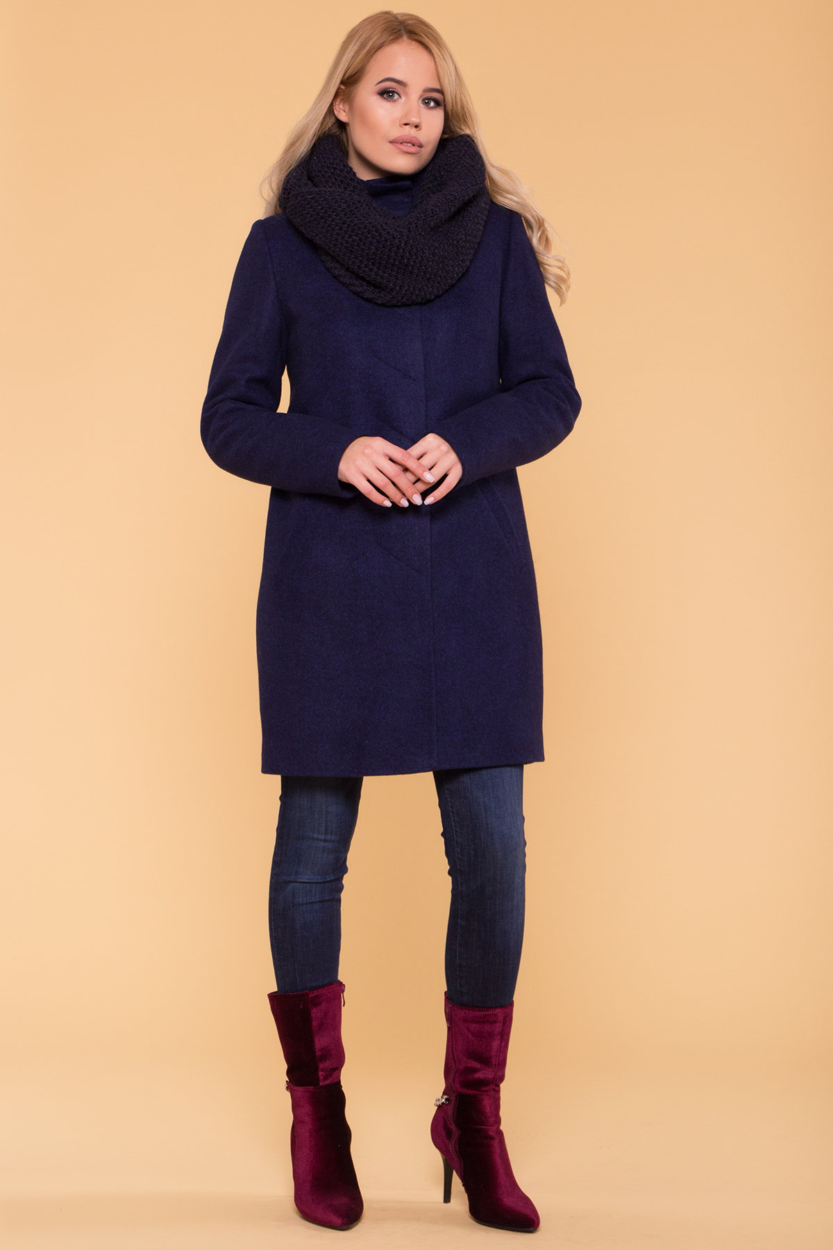 Заказать пальто оптом от Modus Зимнее пальто с хомутом Фортуна лайт 5802