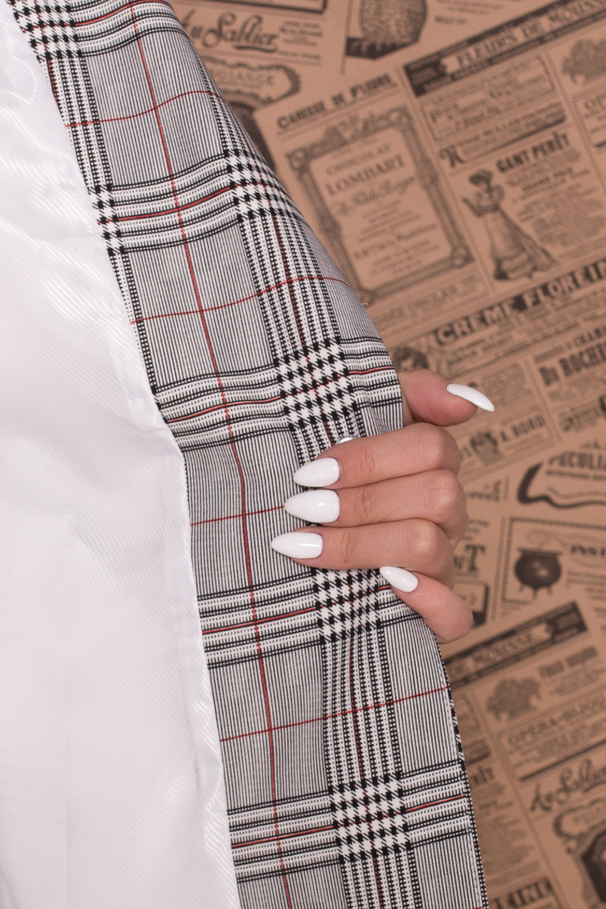 Стильный брючный костюм в клетку Макеба 7719 Цвет: Клетка комби чер/бел/крас