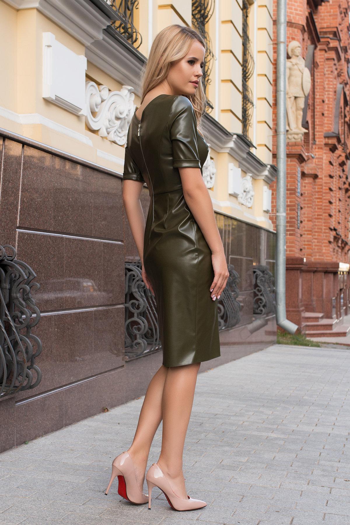 Платье из экокожи Тетрис 7847 АРТ. 43899 Цвет: Хаки - фото 12, интернет магазин tm-modus.ru