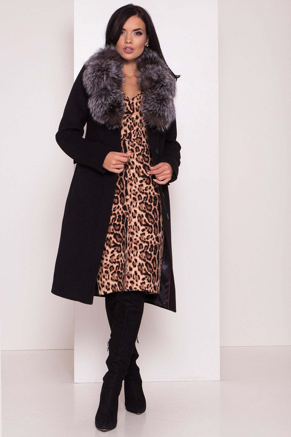 Зимнее пальто с меховым воротником Лабио 8150 АРТ. 44107 Цвет: Черный Н-1 - фото 5, интернет магазин tm-modus.ru