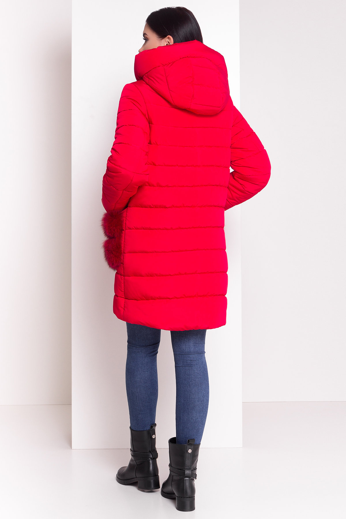 Зимний пуховик прямого кроя Лили Канада 8363 Цвет: Красный