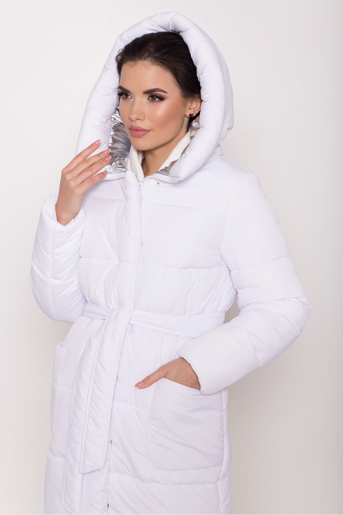 Удлиненный пуховик с накладными карманами Бланка 8622 АРТ. 44960 Цвет: Белый - фото 5, интернет магазин tm-modus.ru