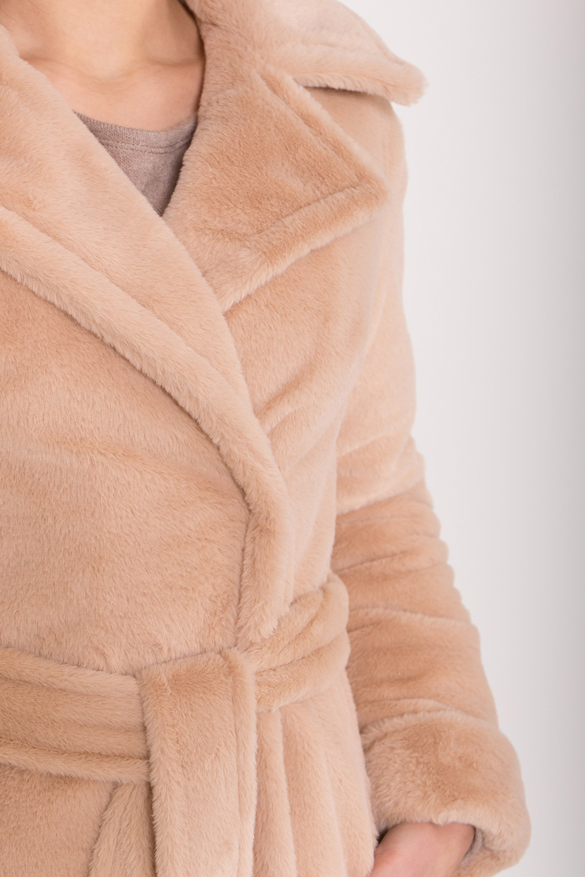 Зимнее пальто из искусственного меха норки Саманта 8641 АРТ. 44956 Цвет: Бежевый - фото 6, интернет магазин tm-modus.ru