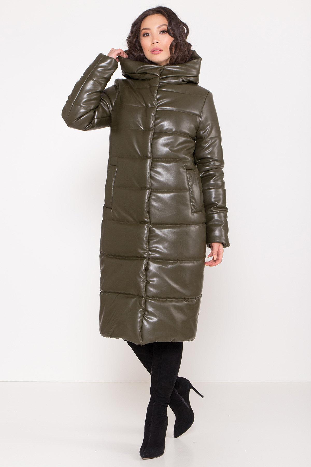 Удлиненный зимний пуховик из экокожи Сигма 8620 АРТ. 44968 Цвет: Хаки - фото 9, интернет магазин tm-modus.ru