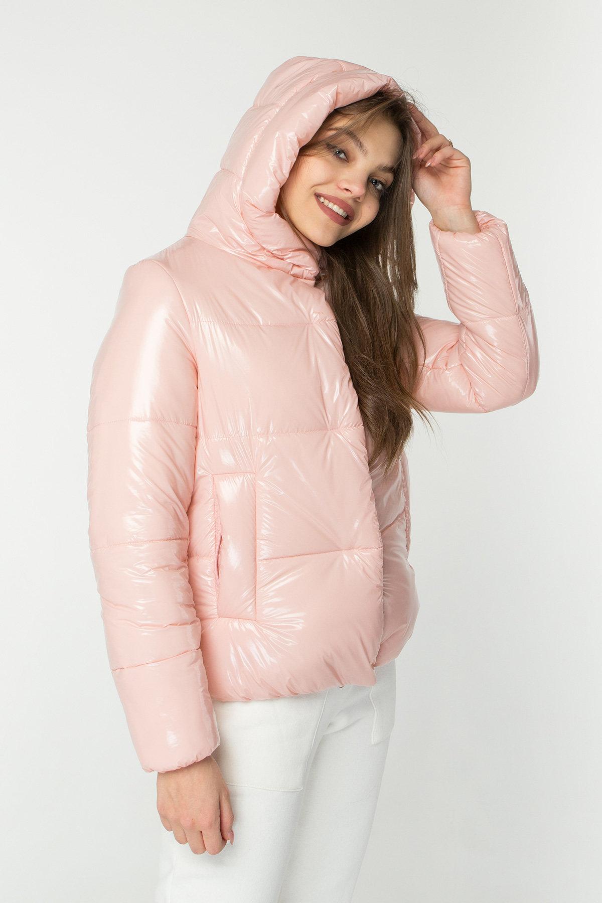 Короткая лаковая куртка Рито 8805 Цвет: Пудра