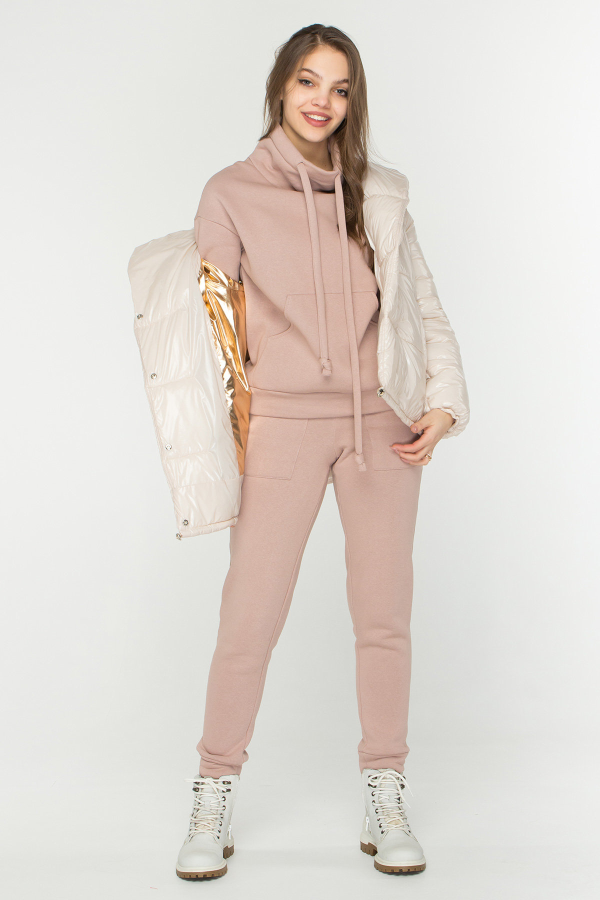 Лаковая куртка пуховик с поясом Бумер 8696 АРТ. 45156 Цвет: светло бежевый - фото 1, интернет магазин tm-modus.ru