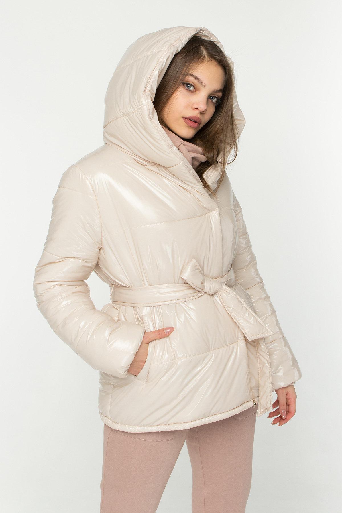 Лаковая куртка пуховик с поясом Бумер 8696 АРТ. 45156 Цвет: светло бежевый - фото 4, интернет магазин tm-modus.ru