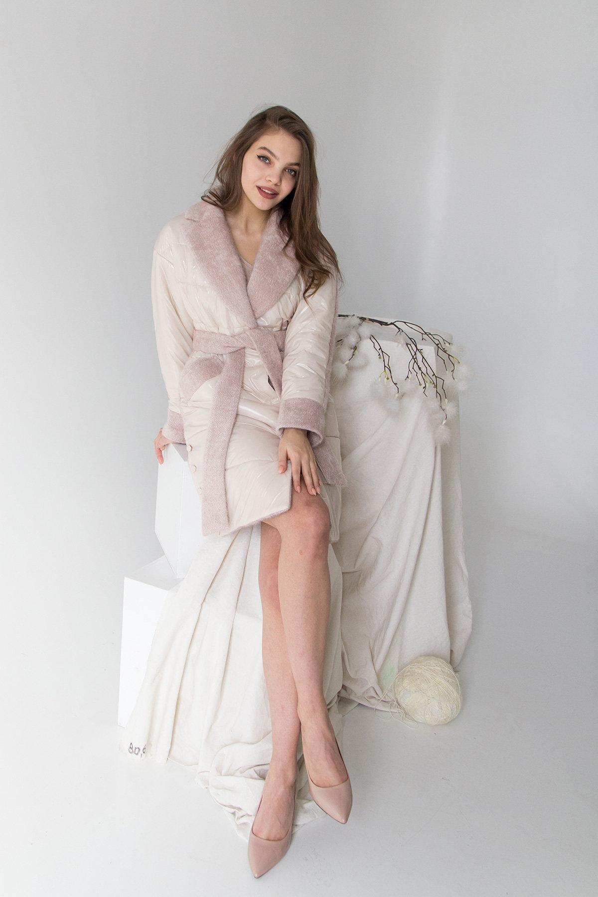 Комбинированное пальто с плащевкой Санья 8780 АРТ. 45123 Цвет: Пудра/молоко - фото 9, интернет магазин tm-modus.ru