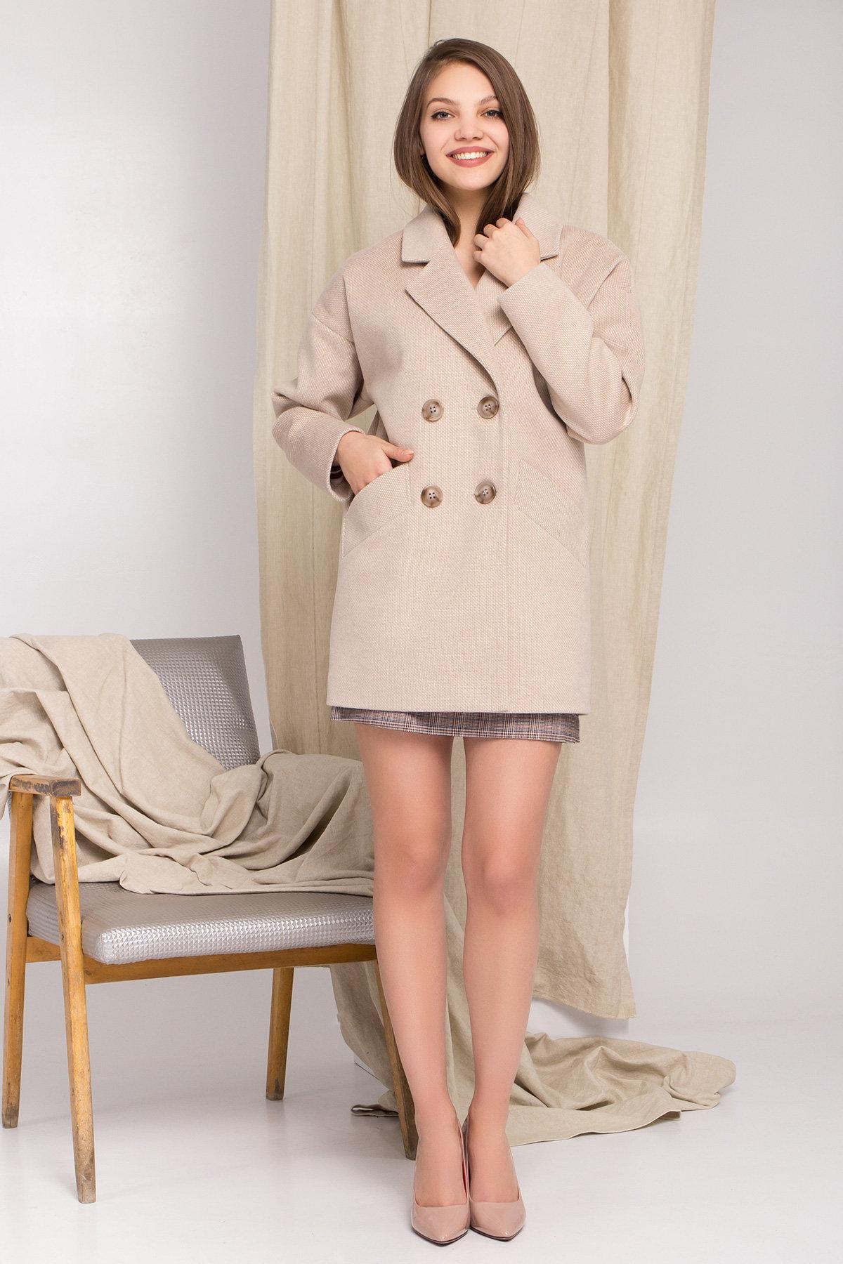 Демисезонное двубортное пальто Бонд 8927 АРТ. 45227 Цвет: Бежевый Светлый - фото 1, интернет магазин tm-modus.ru