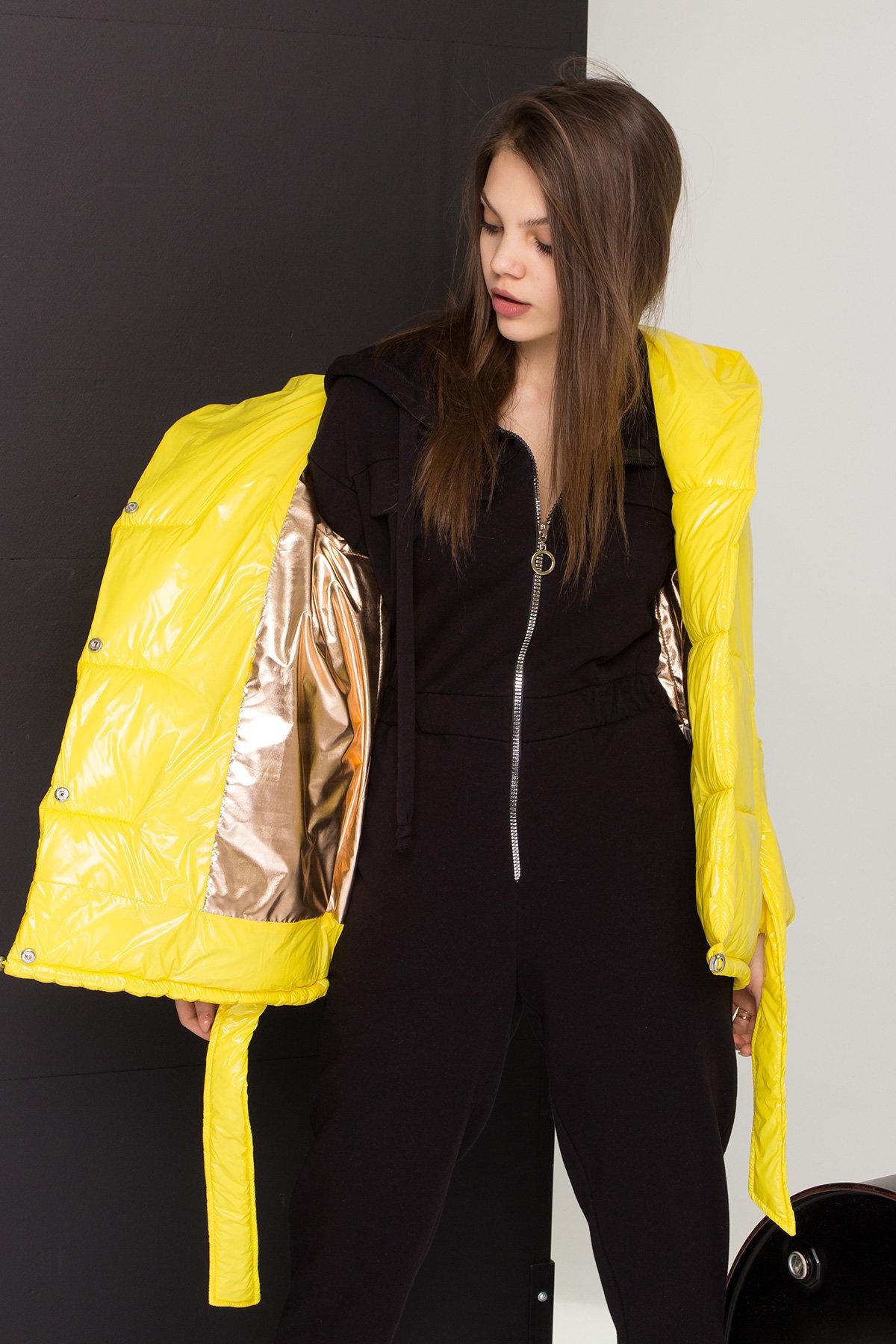 Лаковая куртка пуховик с поясом Бумер 8696 АРТ. 45243 Цвет: т.серый/желтый/черный - фото 3, интернет магазин tm-modus.ru