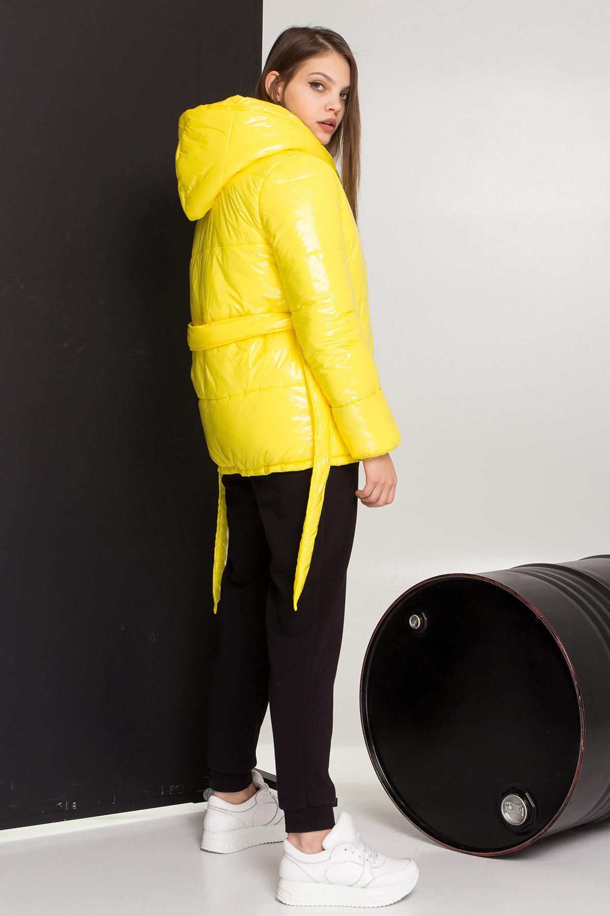 Лаковая куртка пуховик с поясом Бумер 8696 АРТ. 45243 Цвет: т.серый/желтый/черный - фото 6, интернет магазин tm-modus.ru