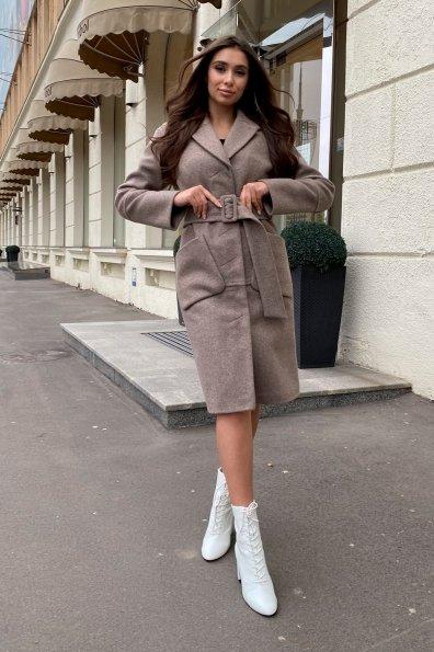 Элегантное зимнее пальто миди длины с накладными карманами Флорида 8138 Цвет: Бежевый 28
