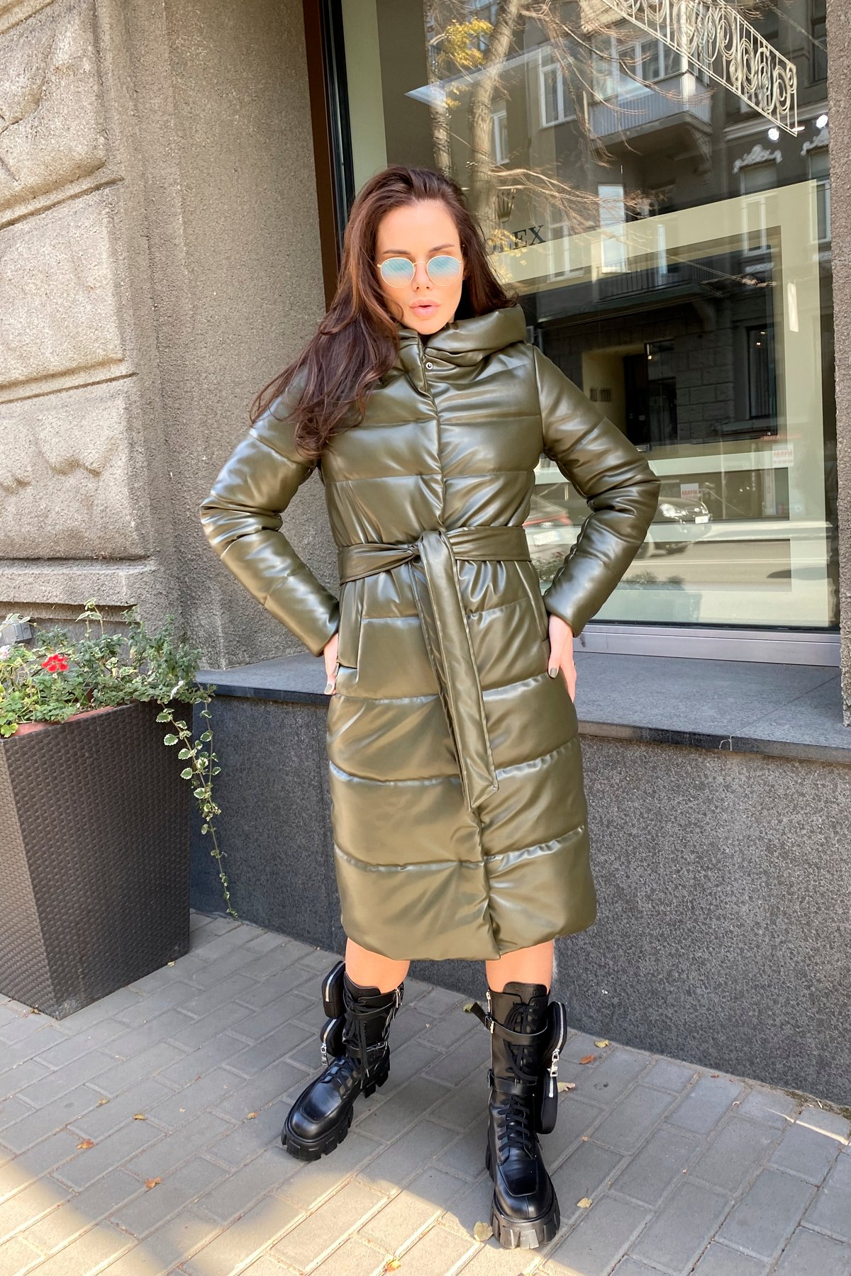 Удлиненный зимний пуховик из экокожи Сигма 8620 АРТ. 44968 Цвет: Хаки - фото 16, интернет магазин tm-modus.ru