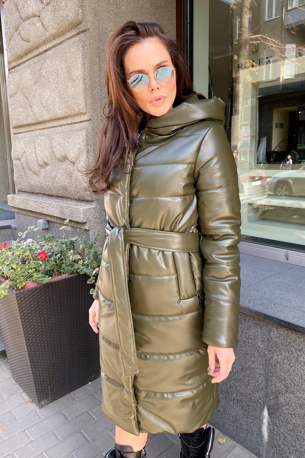 Удлиненный зимний пуховик из экокожи Сигма 8620 АРТ. 44968 Цвет: Хаки - фото 11, интернет магазин tm-modus.ru