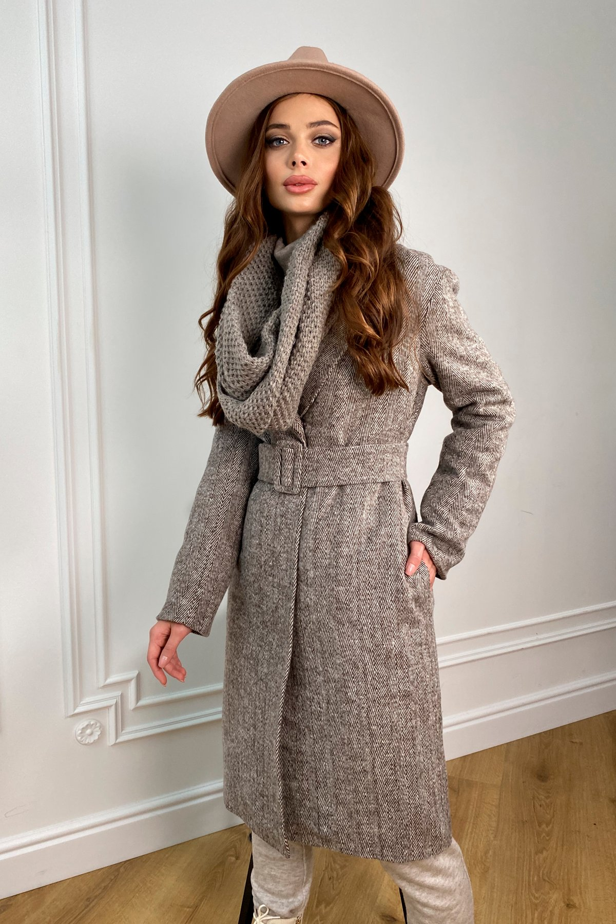 Зимнее пальто оптом от Modus Зимнее пальто полуприталенного кроя Севен 8262