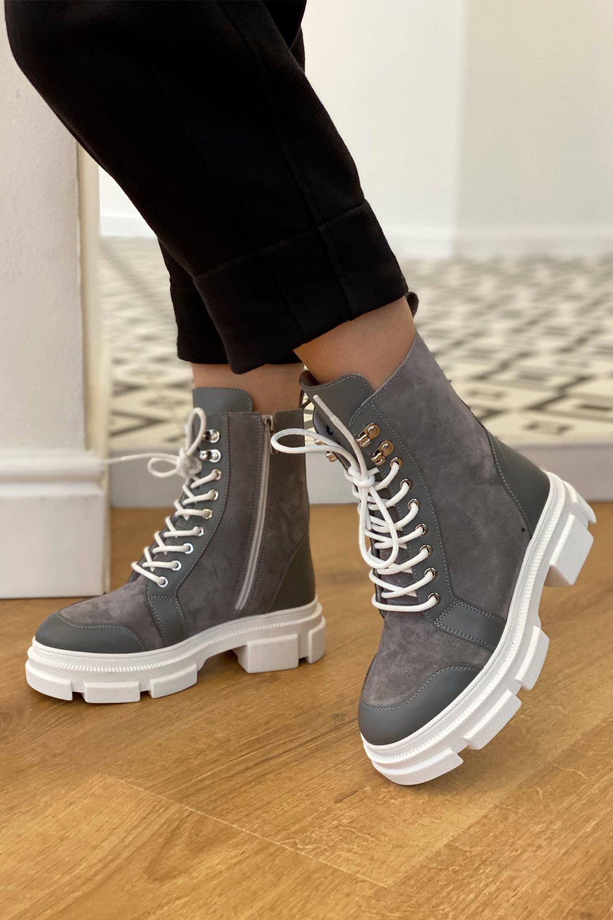 Ботинки зимние 260/14 (замш,вставки кожа,на шнурках) АРТ. 46440 Цвет: Серый - фото 1, интернет магазин tm-modus.ru