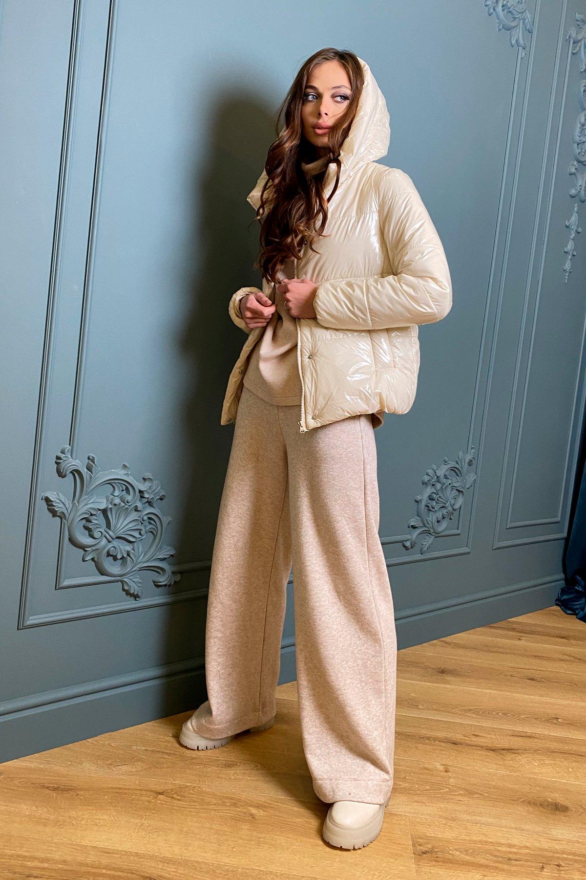Короткая лаковая куртка Рито 8805 Цвет: светло бежевый