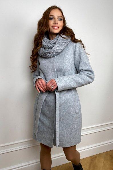 Пальто женское зимнее Габи 8295 с шарфом-трубой Цвет: Серый Светлый 33