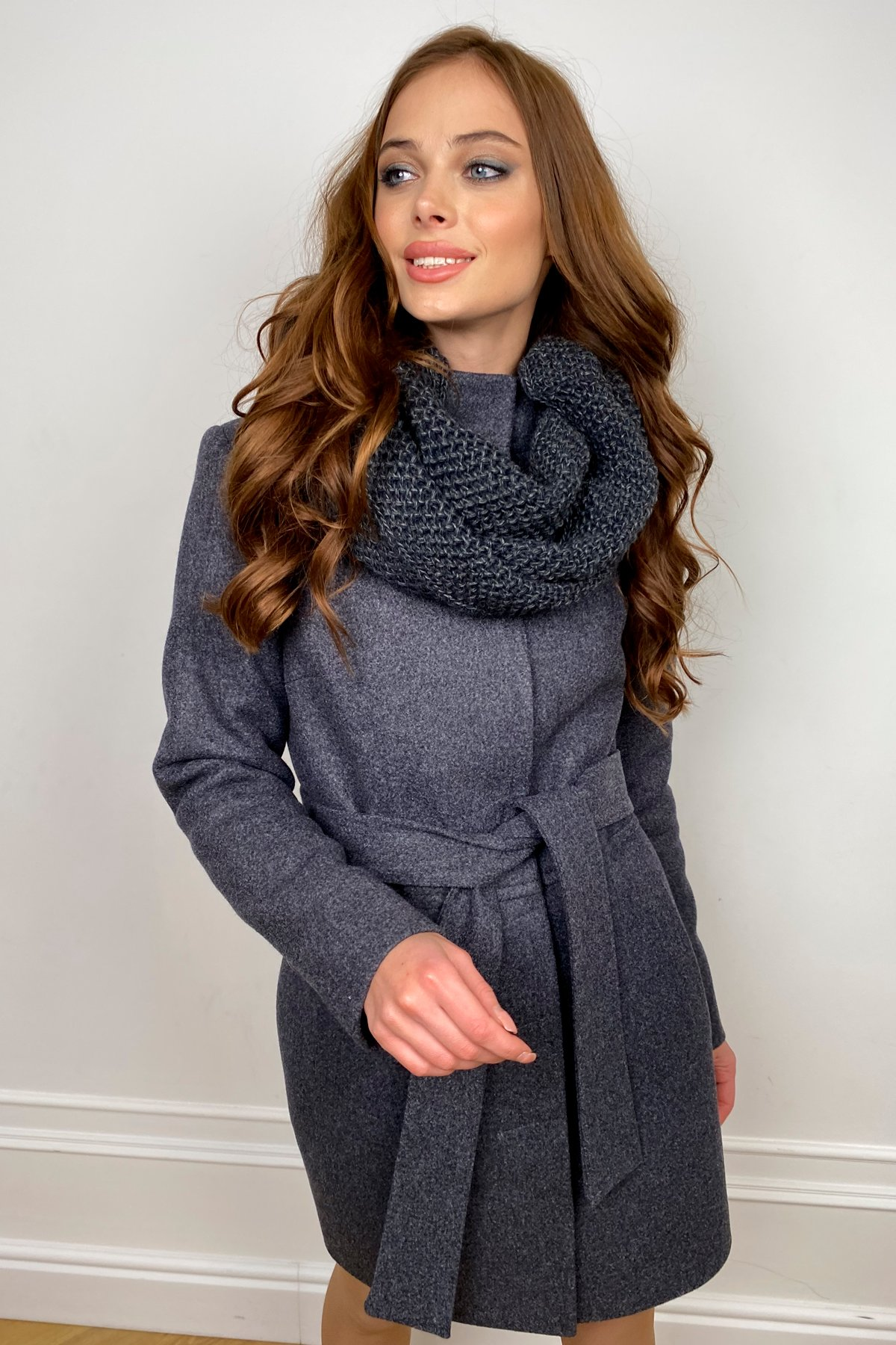 Пальто женское зимнее Габи 8295 с шарфом-трубой АРТ. 44407 Цвет: т. синий 543 - фото 4, интернет магазин tm-modus.ru