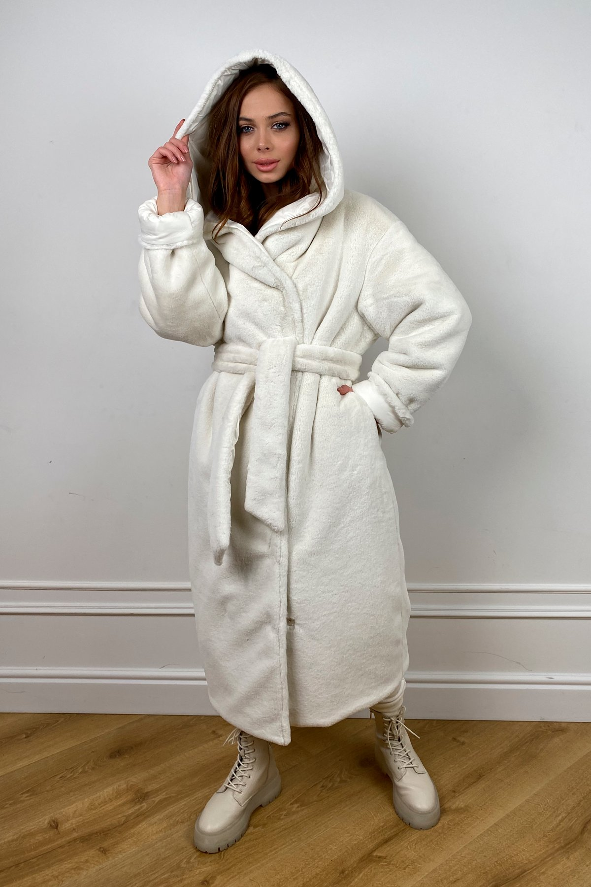 Сноу  теплое двухстороннее пальто из  еко меха и плотной  плащевки 10344 АРТ. 46645 Цвет: Молоко - фото 6, интернет магазин tm-modus.ru