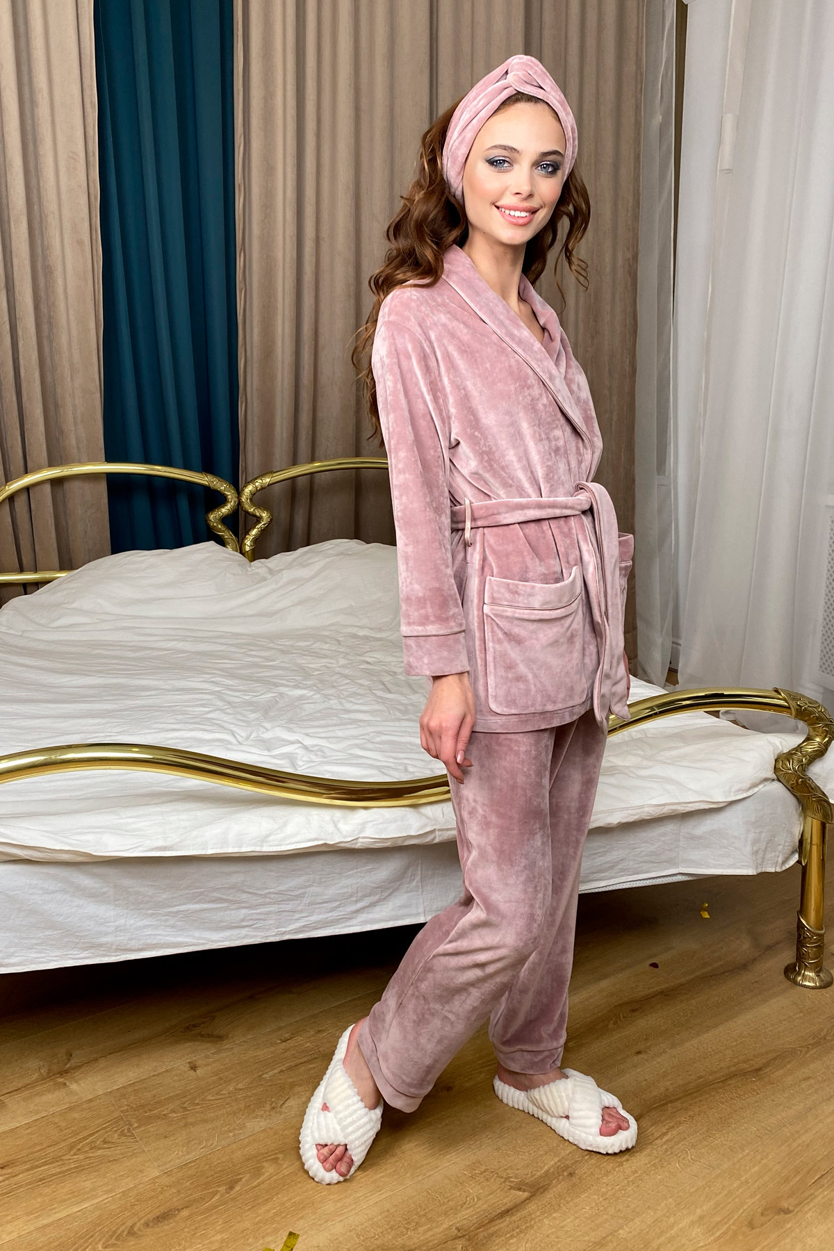Ясмин пижама из велюра жакет,брюки и маска для сна  10376 АРТ. 46684 Цвет: Пудра - фото 1, интернет магазин tm-modus.ru