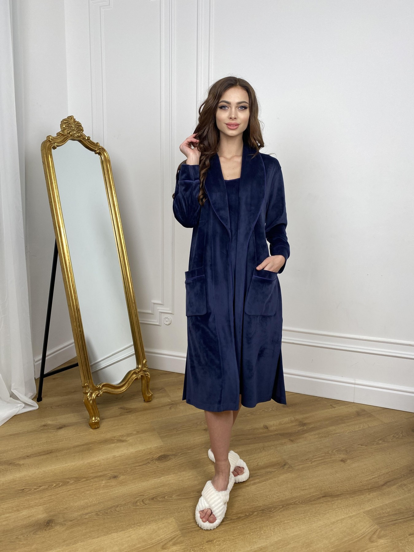Сандрин миди халат из велюровой ткани 10510 АРТ. 46849 Цвет: т. синий - фото 4, интернет магазин tm-modus.ru