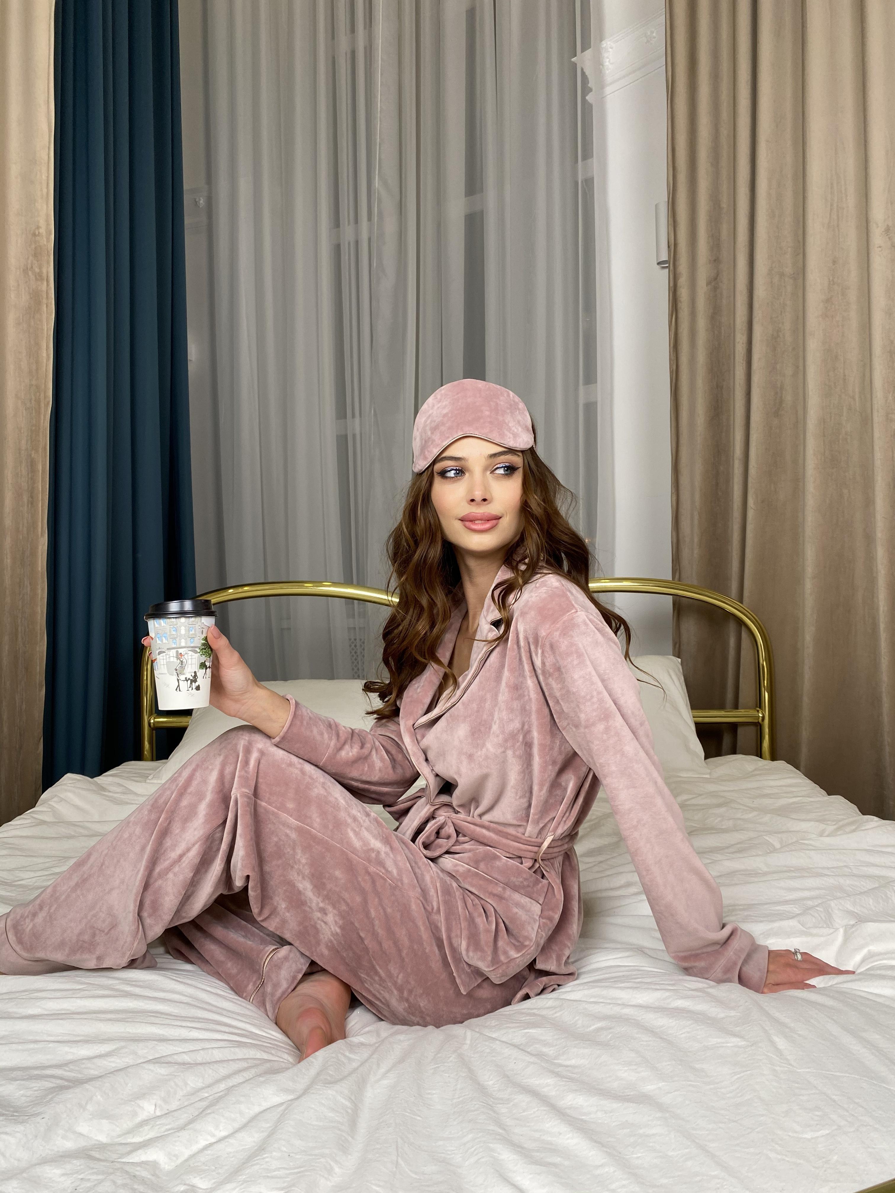 Шайн пижама велюр жакет брюки маска для сна 10353 АРТ. 46660 Цвет: Пудра - фото 9, интернет магазин tm-modus.ru