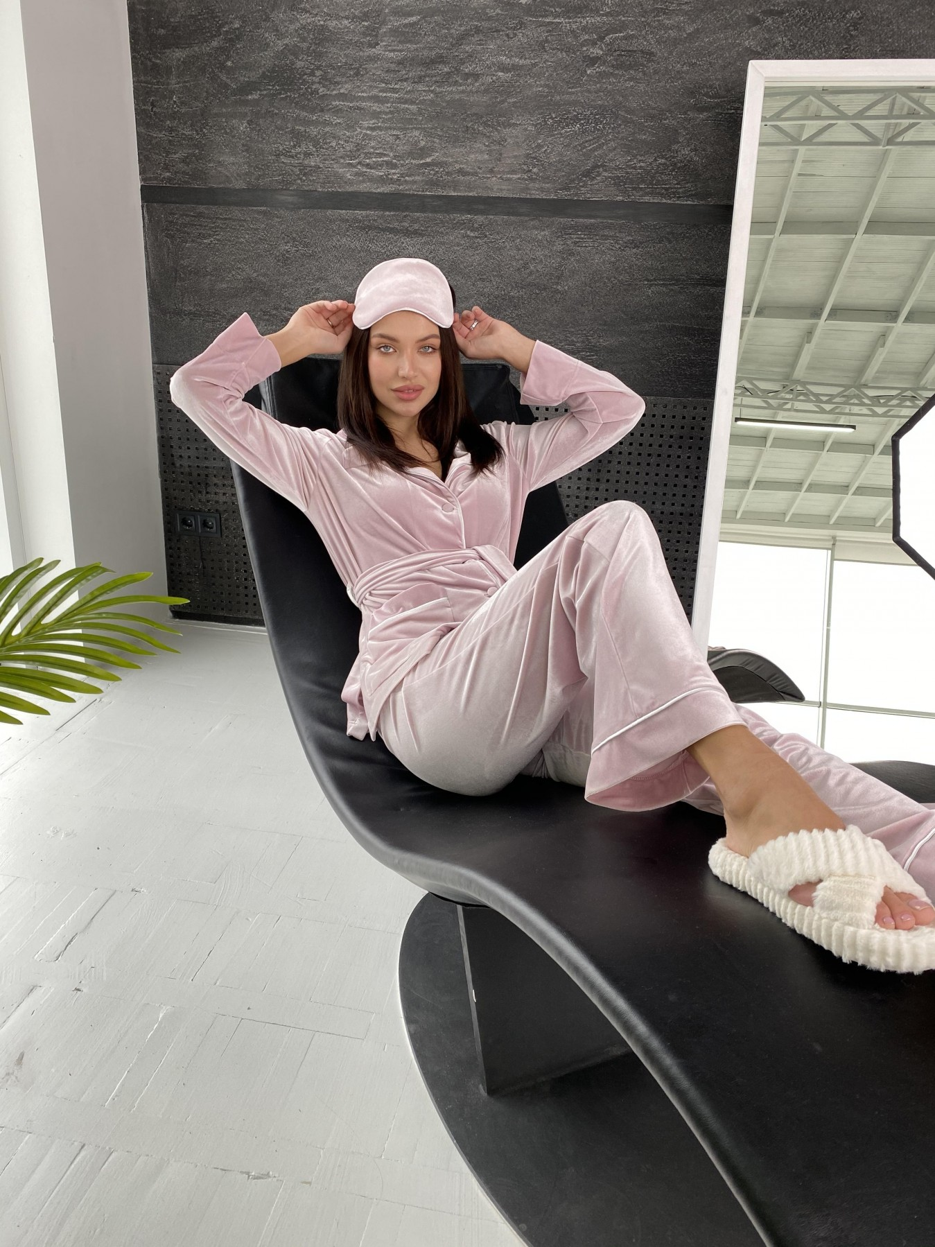 Шайн пижама велюр жакет брюки маска для сна 10353 АРТ. 47088 Цвет: Розовый - фото 1, интернет магазин tm-modus.ru