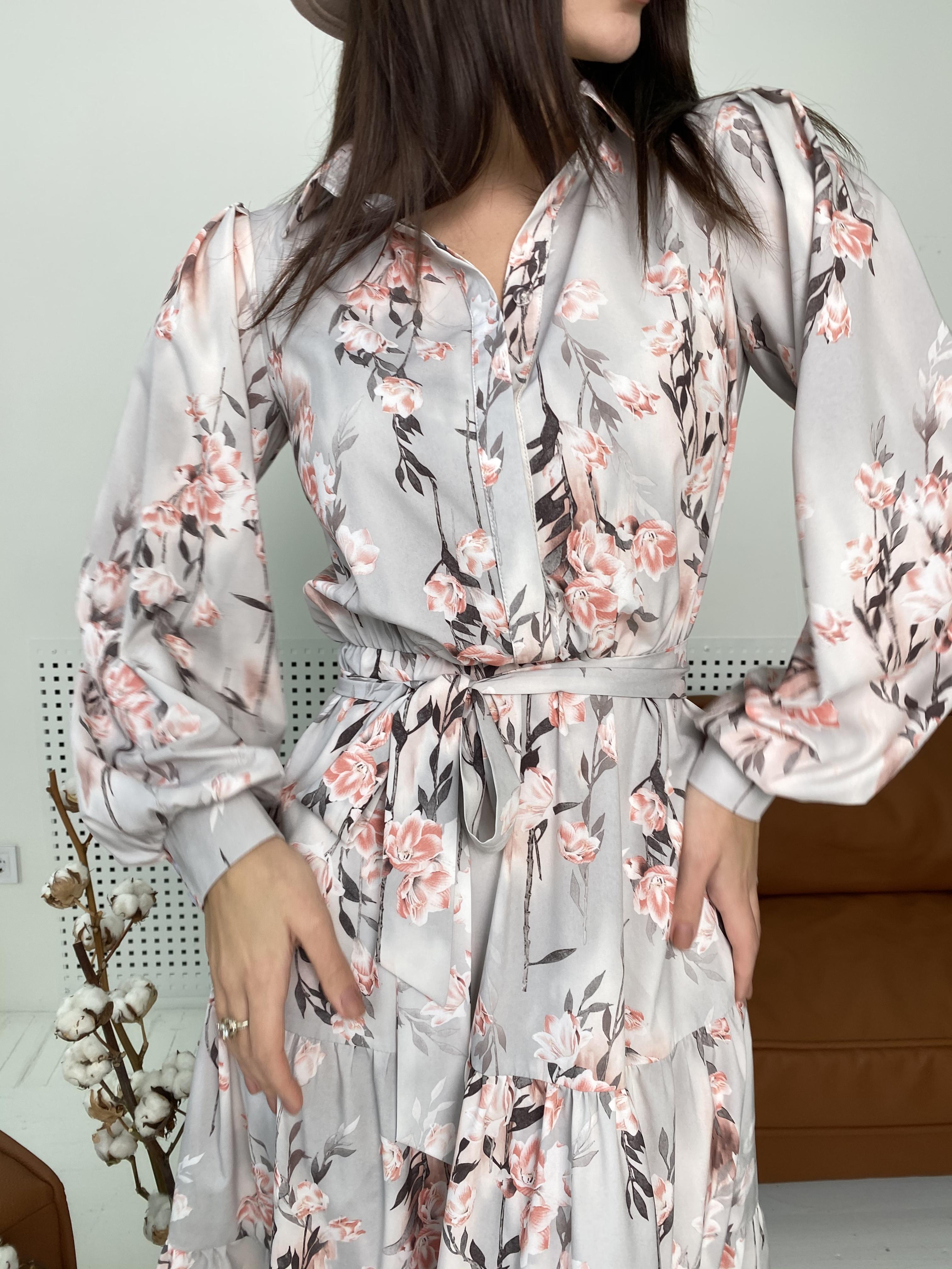 Лилия платье в цветочный принт 9712 АРТ. 46015 Цвет: Цветы кр/цепи Молоко/пудра - фото 2, интернет магазин tm-modus.ru