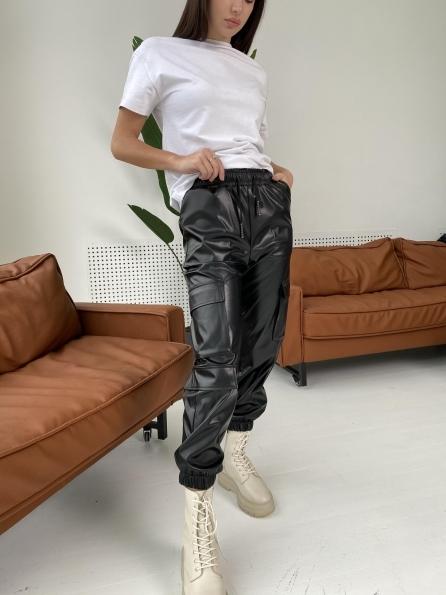 """Купить """"Кьюи"""" брюки из экокожи 10673 оптом и в розницу"""