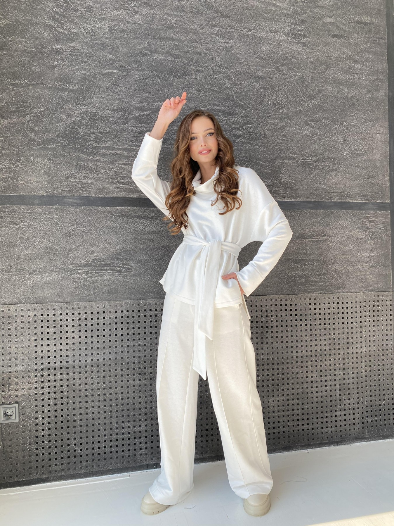 Джаст костюм Oversize  3х нитка 10564 АРТ. 47240 Цвет: Молоко - фото 7, интернет магазин tm-modus.ru