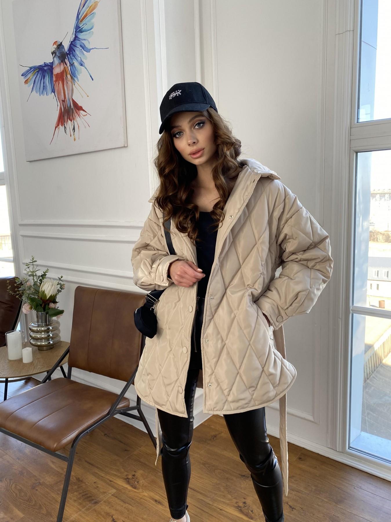 Пазл стеганая куртка из плащевки 10890 АРТ. 47449 Цвет: Бежевый - фото 3, интернет магазин tm-modus.ru