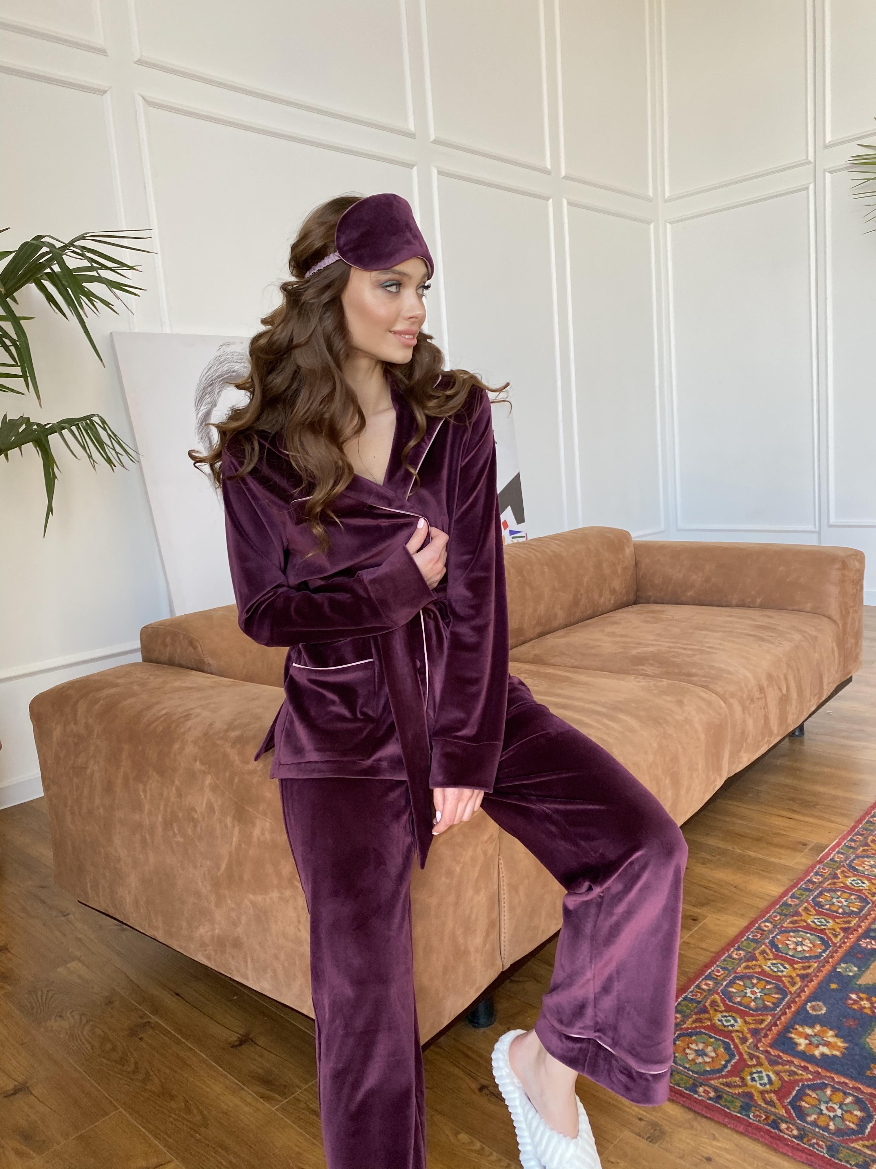 Оптом женские костюмы от Modus Шайн пижама велюр жакет брюки маска для сна 10353