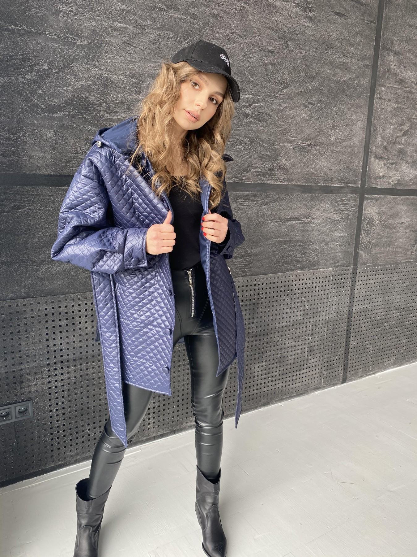 Пазл стеганая куртка из плащевой ткани  10933 АРТ. 47513 Цвет: Т.синий - фото 3, интернет магазин tm-modus.ru