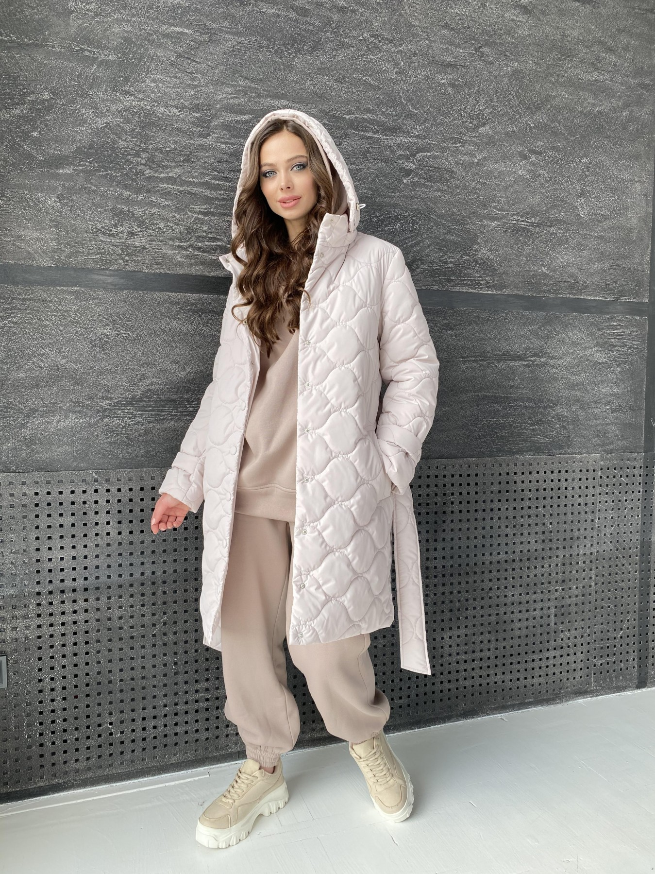 Виза ЗИГЗАГ стеганая куртка из плащевой ткани 11016 АРТ. 47517 Цвет: Бежевый 970 - фото 1, интернет магазин tm-modus.ru