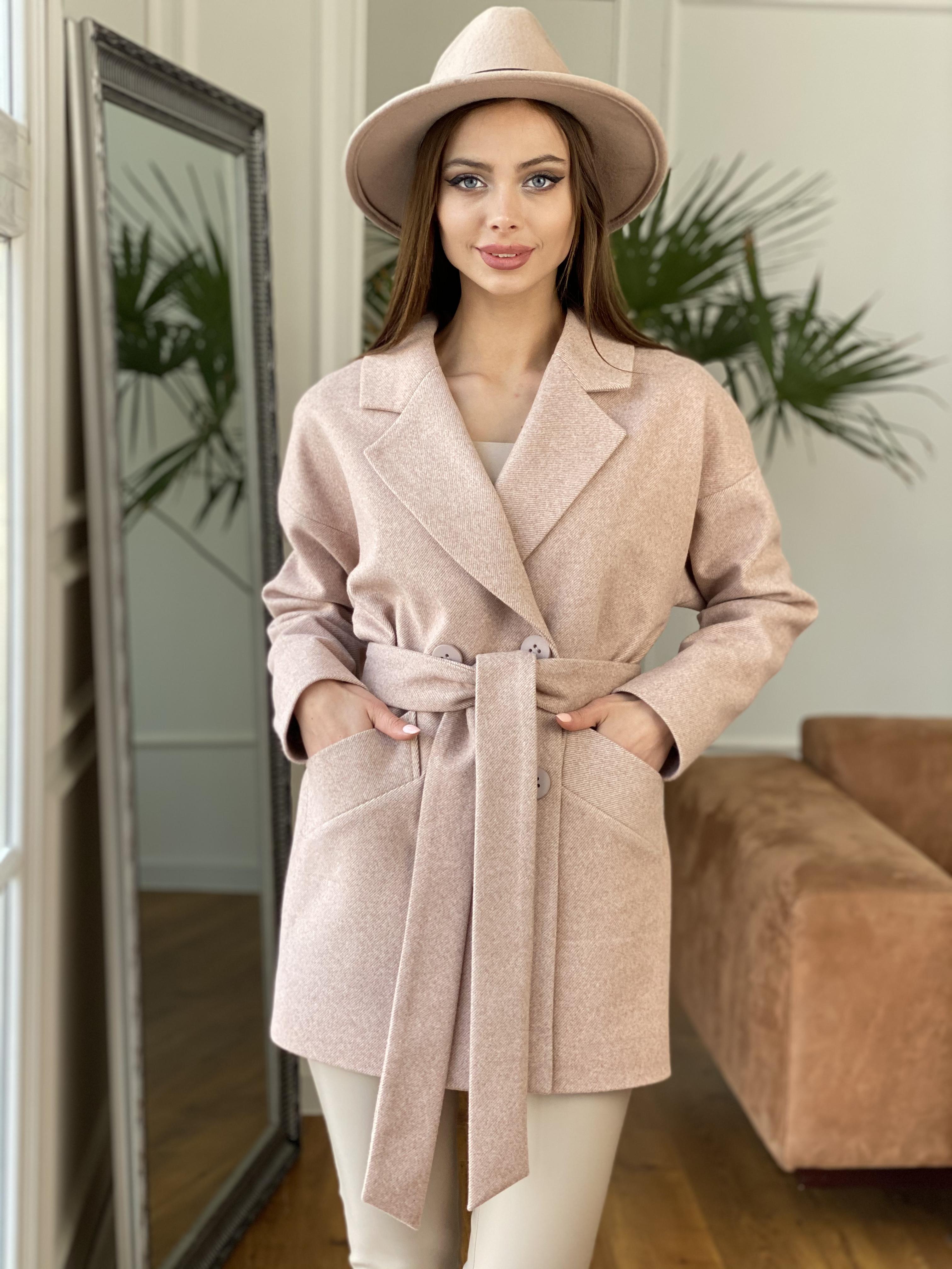 Магазины женского демисезонного пальто от Modus Бонд Диагональ пальто из пальтовой ткани  10757