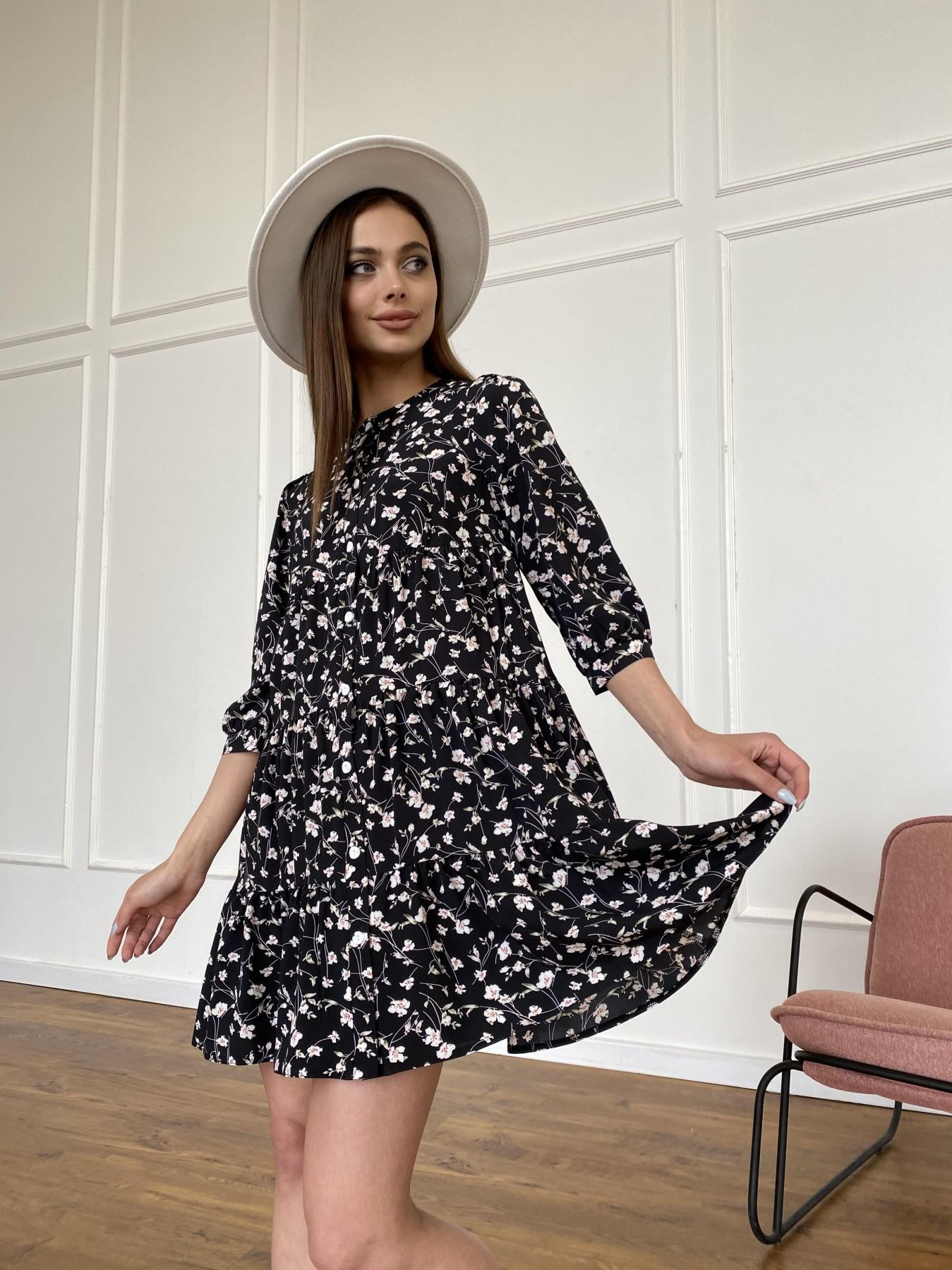 Берри платье из ткани софт в принт 11211 АРТ. 47723 Цвет: Черный/молоко, Цветы - фото 7, интернет магазин tm-modus.ru