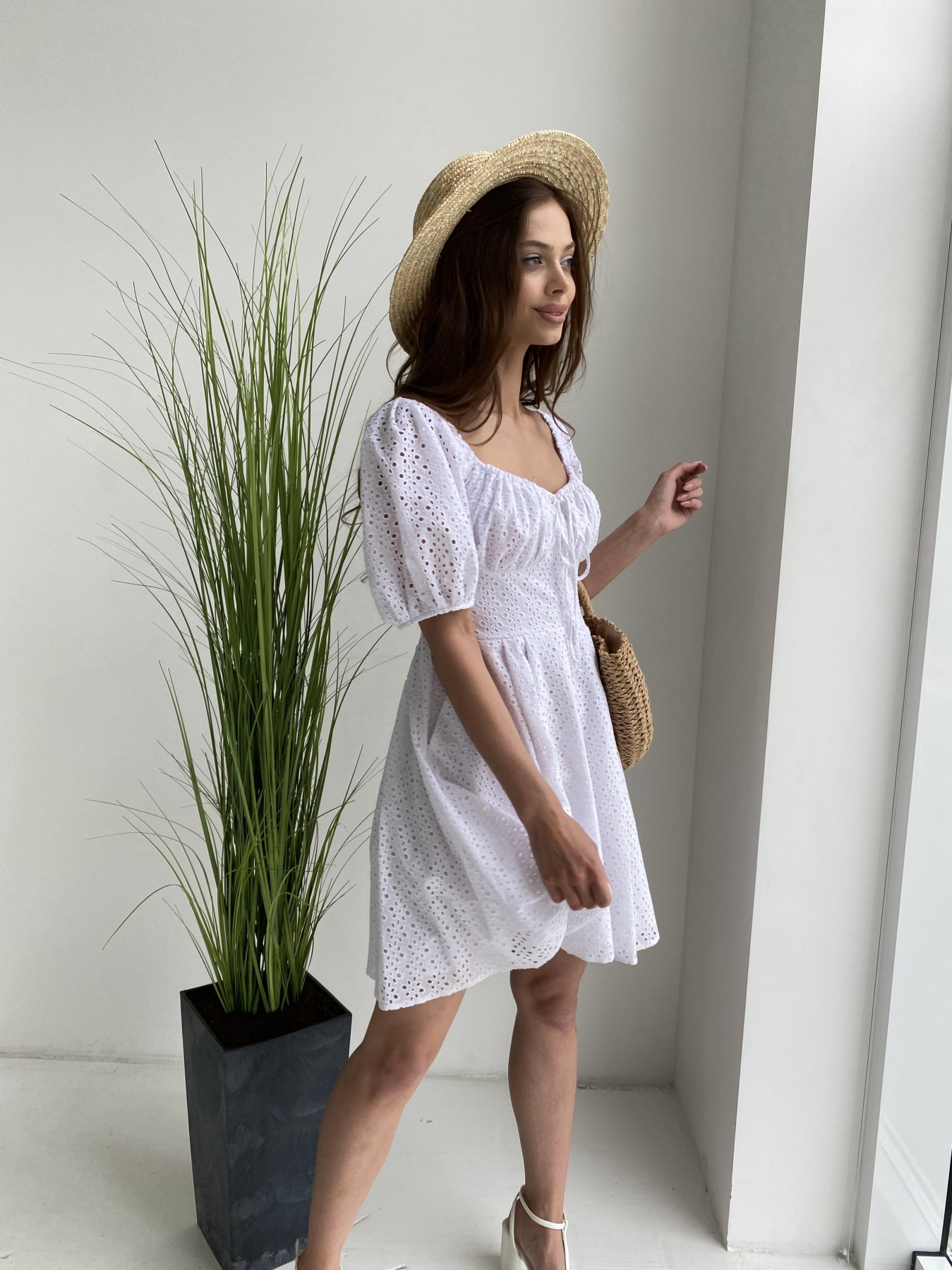 Кисес мини платье из прошвы 11439 АРТ. 48012 Цвет: Белый/МелЦветПерфор - фото 5, интернет магазин tm-modus.ru