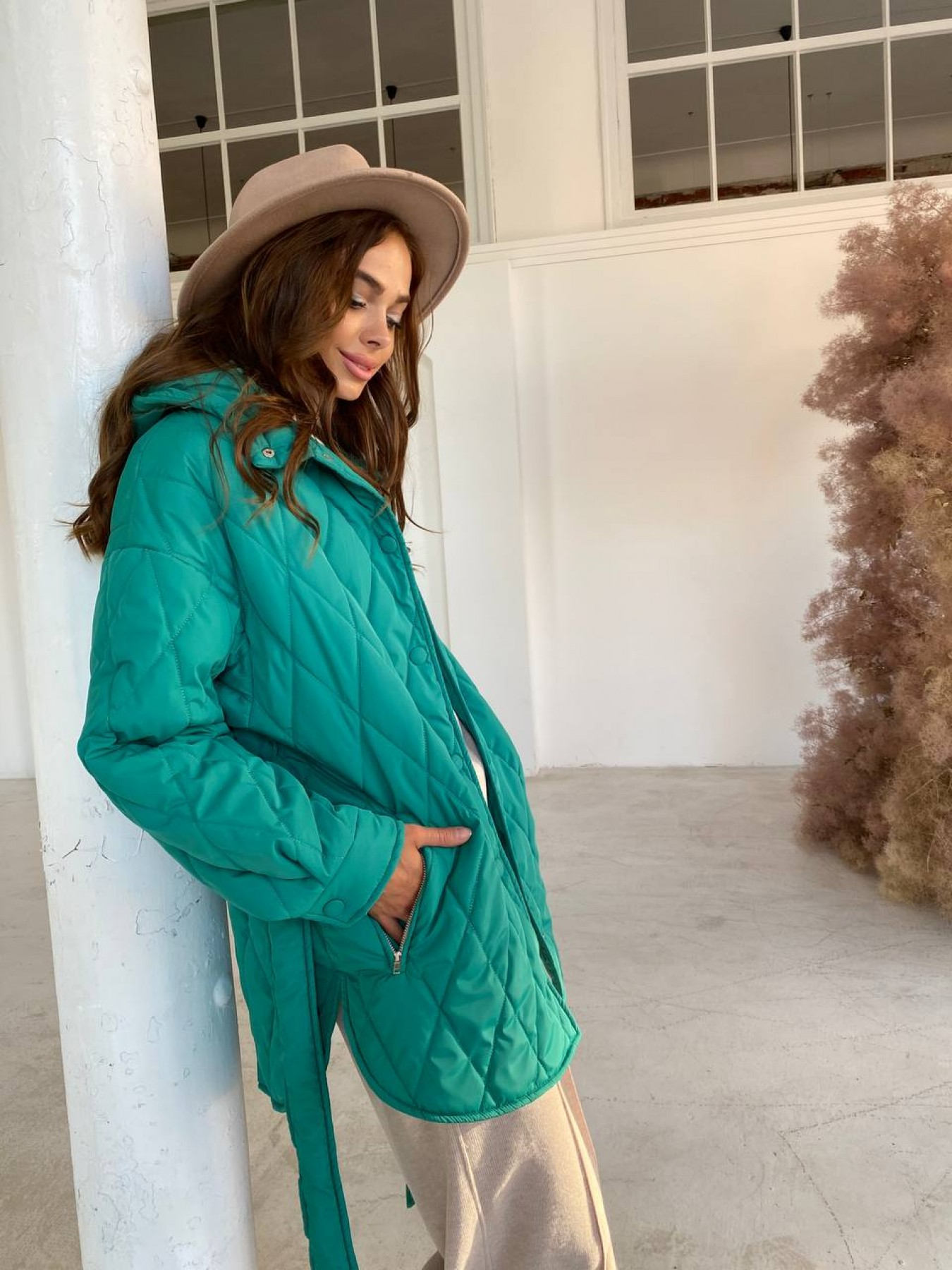 Пазл стеганая куртка из плащевки 11764 АРТ. 48505 Цвет: Зеленый 2 - фото 2, интернет магазин tm-modus.ru