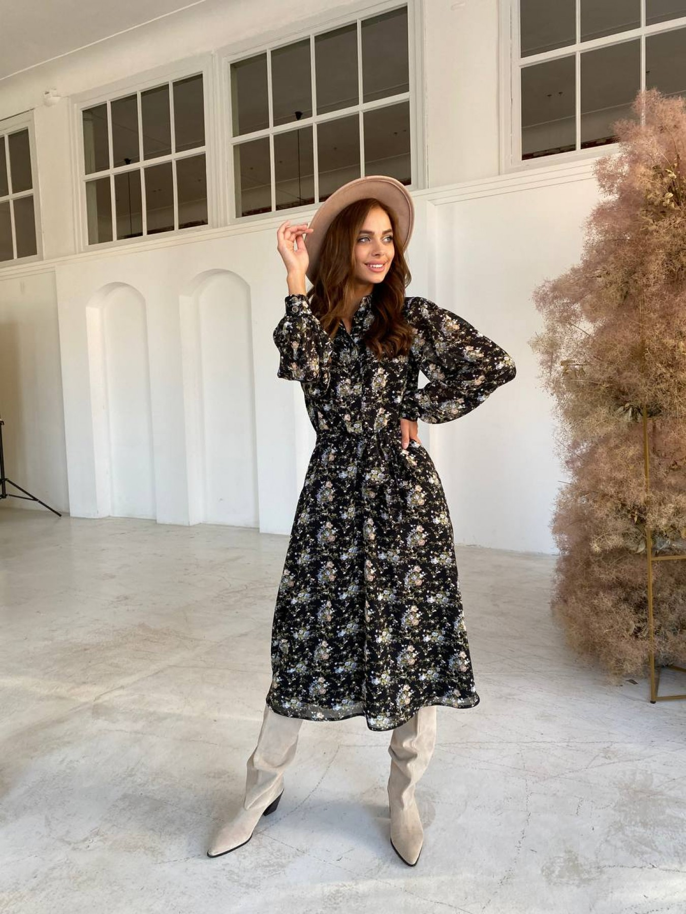 Жасмин платье из  шифона микро принт с длинным рукавом не стрейч 11685  АРТ. 48424 Цвет: Черный/беж/голубой/БукетЦв - фото 3, интернет магазин tm-modus.ru